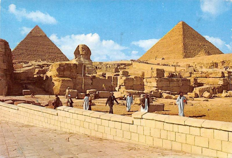 Egypt Giza The Sphinx and the Pyramids of Cheops and Chephren