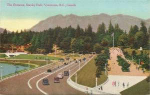 Vancouver BC~Stanley Park Entrance~Car & Foot Traffic~1940s Postcard