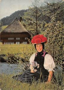 Im Schwarzwald Woman in Traditional Costume Haus House