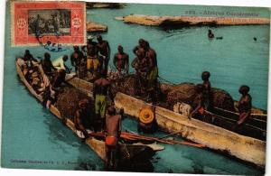 CPA Senegal Fortier 322. Pécheurs reutrant leurs filets (235143)