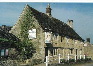 Northamptonshire Postcard - The Queens Head - Main Street - Bulwick -  Ref DD898