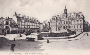 VANNES (Morbihan), France, 1900-1910s; Place De l'Hotel-De-Ville