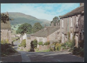 Yorkshire Postcard - Appletreewick, Wharfedale    T7806