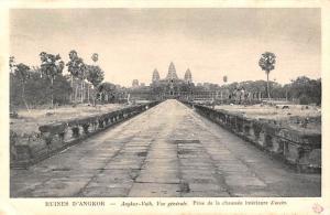 Ruines D'Angkor Cambodia, Cambodge Ankor Vath, Prise de la Chaussee interieur...