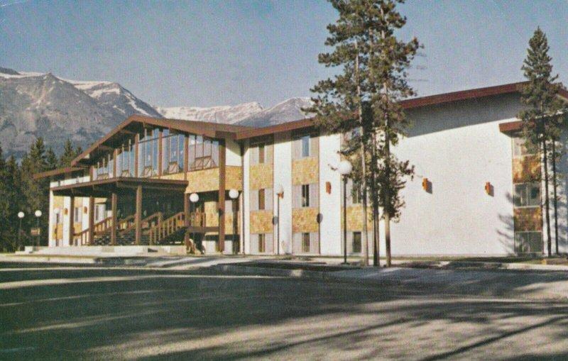 JASPER , Alberta, Canada, 1971 ; Lobstick Motor Lodge
