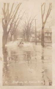 RP: KEENE , New Hampshire , 1900-10s ; Flood , Roxbury Street