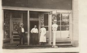 RP: KEARNEY , Nebraska , 00-10s; Joe's Lunch Room, Buffalo Bill Posters, Scale