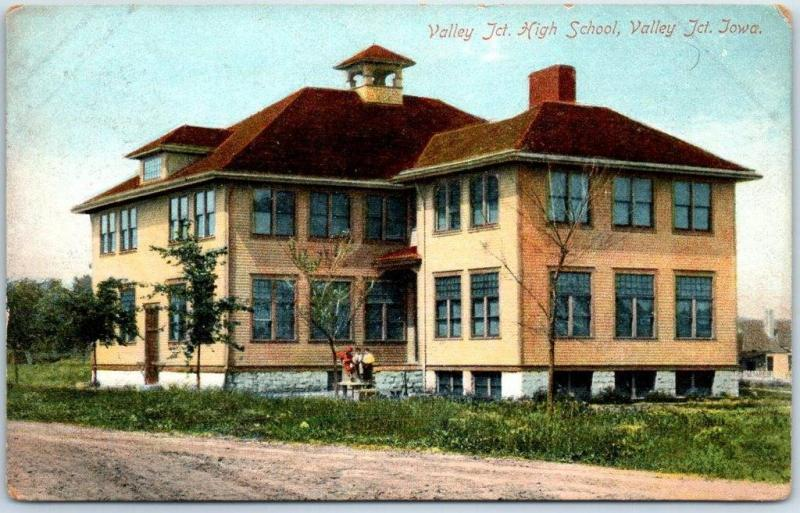 West Des Moines, Iowa Postcard Valley Junction High School Building 1910s Unused