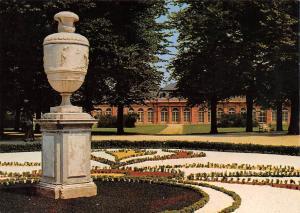 Schwetzingen Schlossgarten Blick zum Rokoko Theater Castle