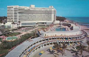 MIAMI BEACH, Florida, 1940-1960´s; World Famous Fontainebleau Hotel, Swimm...