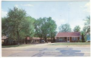 Yellville AR Ozark Motel near Fishing Sites Old Car Lodging Postcard