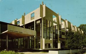 MINNEAPOLIS, Minnesota, Tyrone Guthrie Theater (1969)