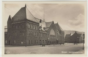 Norway; Bergen Railway Station RP PPC by AS/FBP, Unused, Ex Booklet, c 1930's