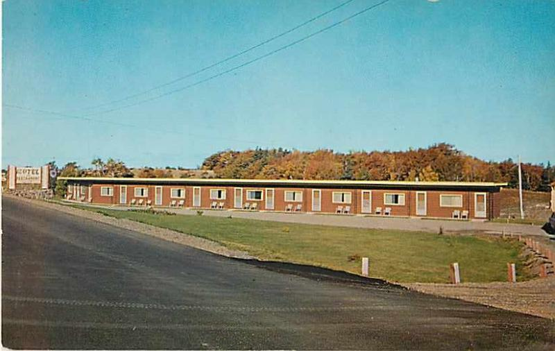 Parkview Motel & Restaurant, Cabot Trail at entrance to Cape Breton