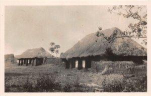 uk41982 facade annciene du musee d abomey dahomey africa hut