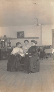 G45/ East Salamanca New York RPPC Postcard 1910 Women Interior Restaurant