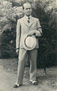 Glamour Postkarte elegant man fancy suit portrait 1937