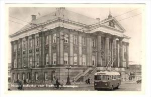 RP  Groningen , Netherlands. PU-1952 : Nieuwe trollybus voor Stadhuis
