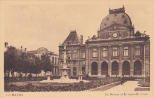 LE HAVRE , France , 00-10s ; La Bourse et la nouvelle Poste