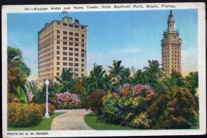 Florida MIAMI Alcazar Hotel and News Tower from Bayfront Park WOB - LINEN