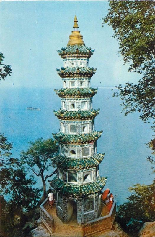 China Stone Bell Hill overlooking the Lake Pagoda