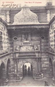 TOULOUSE , France , 00-10s ; Cour Henri IV