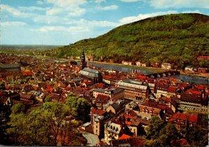 Germany Heidelberg Blick auf Heiliggeistkirche und Alte Neckarbruecke