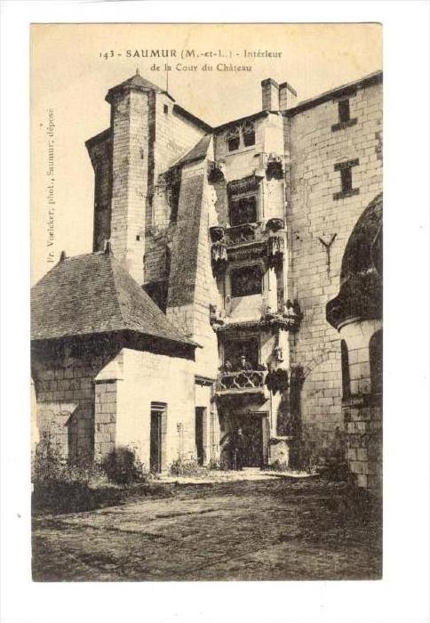 Interieur De La Cour Du Chateau, Saumur (Maine-et-Loire), France, 1900-1910s