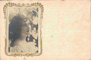 Art Nouveau Beautiful Lady Photo model Reutlinger Paris RPPC  06.63