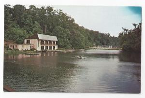 Media PA Broomall's Lake Country Club Rowboat Swimming Pool