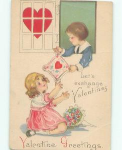 Pre-Linen Valentine CUTE GIRL GETS CARD FROM BOY AB2983
