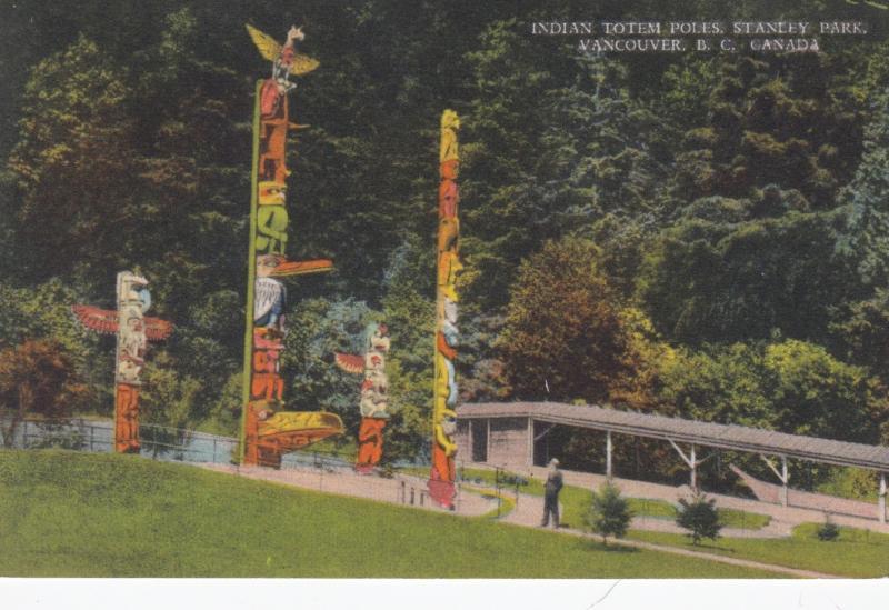 Indian Totem Poles , Stanley Park , VANCOUVER , B.C. , Canada , 1930s