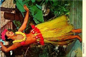 Tahitian Island Dancers Postcard unused (20457)