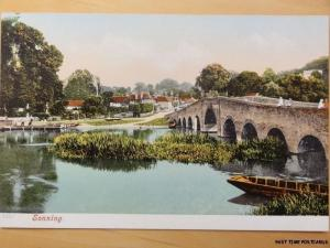c1916 (Mint) - Sonning near Reading - showing river scene and bridge