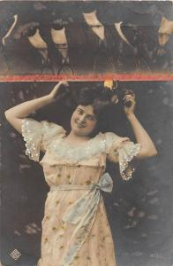 YOUNG GIRL W/ HAIR UP IN SEXY POSE GERMAN PHOTO POSTCARD 1909 10 PFENNING STAMP