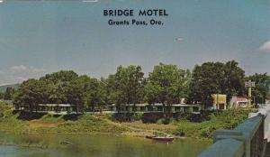 Scenic view,  Bridge Motel,  Grants Pass,  Oregon,  40-60s
