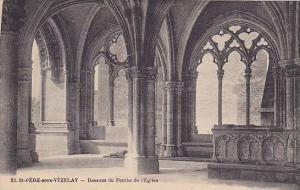 St. PERE-sous-VEZELAY, Dessous du Porche de l´Eglise, Yonne, France, 00-10s