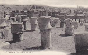 Tunisia Ruines Romaines de Timgad Pilons a Ble