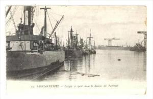 Cargo a quai dans le Bassin de Penhouset, Saint-Nazaire (Loire Atlantique), F...