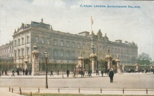 LONDON, England, 1900-10s; Buckingham Palace
