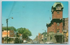 Postcard Canada Ontario Sault Ste Marie c1950s Queen Street View Old Cars Q10