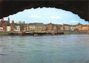 Netherlands Maastricht Een doorkijkje op de Rivier de Maas