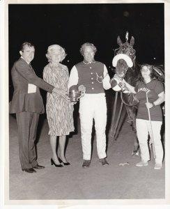 YONKERS RACEWAY, Presenting The Trophy To The Winner Mandate
