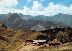 Nebelhorn-Bergstation mit Allgaeuer Hochgebirge Mountains Landscape