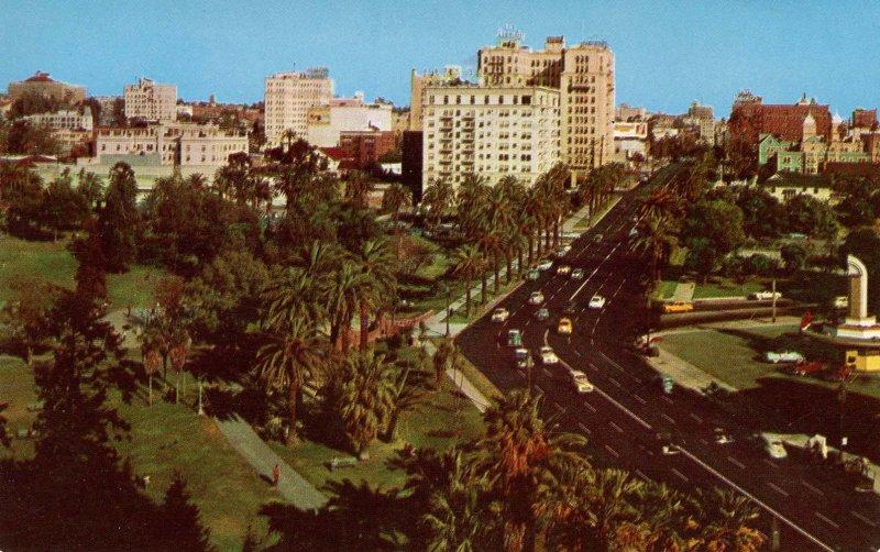 CA - Los Angeles. Lafayette Park & Wilshire Blvd