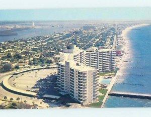 Pre-1980 APARTMENT BUILDING SCENE Clearwater Beach - Near Tampa FL AE2595