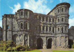 GG14359 Porta Nigra Roemisches Stadttor Roman City Gate Porte Romaine