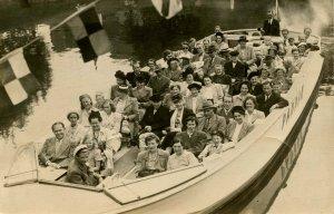 Sweden - Goetborg. Tourists on Boat    RPPC