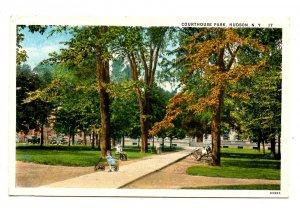 NY - Hudson. Courthouse Park
