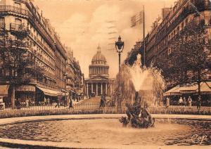 France Paris La Rue Soufflot et le Pantheon Street Fountain